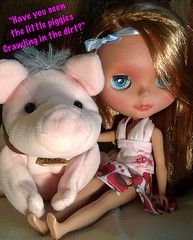 Blythe-a-Day May#21: Piggies: Roxy and Babe