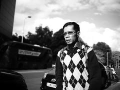 "London Black and White Street Photography - ""The Great Londoners"" (Nicholas Goodden) Tags: people man monochrome asian pattern candid voigtlander streetphotography olympus kensington shotfromthehip manualfocus doubledecker londonbus blackandwhitephotography urbanphotography londoners peopleonthestreets manuallens blackandwhitestreetphotography diamondpattern londonphotography microfourthirds omdem1"
