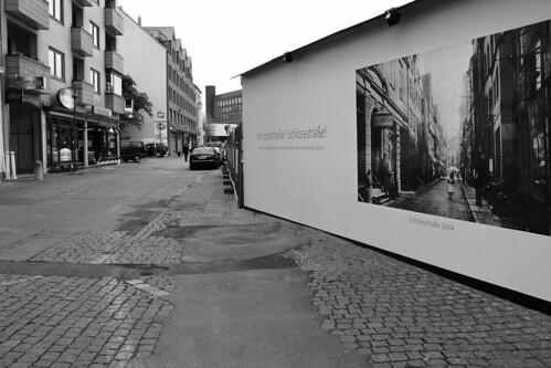 "Die Schloßstraße (01) • <a style=""font-size:0.8em;"" href=""http://www.flickr.com/photos/69570948@N04/27188221686/"" target=""_blank"">View on Flickr</a>"