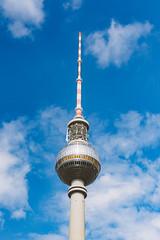 Berlin - my love (DOKTOR WAUMIAU) Tags: berlin 50mm nikon sigma bluesky fernsehturm lightroom ishootraw d7200 vscofilm