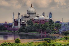 Taj Mahal Viewed from Red fort, Agra (Rob's4tography) Tags: india agra tahmahal redfort engineering colour outside sunshine sunny architecture ancient old
