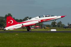 69-4001 (GerardvdSchaaf) Tags: airplane aircraft aviation military airshow turkije leeuwarden northrop vliegtuigen 4001 nf5b fabrikant f5b kluopendagen nf5b2000 vliegtuigsoort