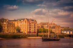 Sailing boat on the Thames river (tbnate) Tags: tbnate nikon nikond5100 d5100 river thames london boat sailing sailingboat oliverswharf outdoor outside architecture clouds city sky