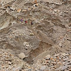 Namla: Trekkers in the maze (Shahid Durrani) Tags: biafo glacier karakorams gilgit baltistan pakistan