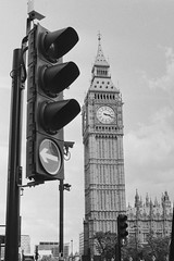 Big Ben (pedro_m_ferreira) Tags: london uk big ben england bw blackandwhite travel film 35mm ilford hp5 nikonfe2 50mm rodinal1100 europe westminster
