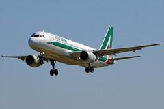 EI-DTF    A320-216 Alitalia (Antonio Doblado) Tags: barcelona elprat aviacin aviation aircraft airplane airliner eidtf airbus 320 a320 alitalia