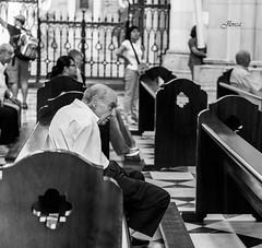 Miradas perdidas (JavierLorca) Tags: church religion iglesia fe mirada creyente