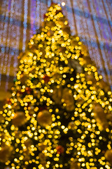 Christmas tree bokeh (julesnene) Tags: sanfrancisco california christmas unitedstates bokeh christmastree canoneos50d hyattregencysanfrancisco julesnene juliasumangil