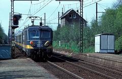 2556  Mortsel  28.04.78 (w. + h. brutzer) Tags: analog train nikon eisenbahn railway zug trains 25 locomotive belgien lokomotive elok mortsel eisenbahnen sncb eloks webru
