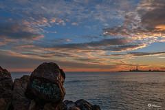 _VMG0643 (V.Maza) Tags: barcelona españa spain playa catalunya ocaso cataluña montgat