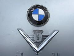 BMW 502 V8, Emblem (v8dub) Tags: auto old classic car emblem mnchen logo automobile 8 automotive voiture v german bmw oldtimer oldcar collector 502 wagen pkw klassik worldcars