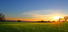 Lauragais (VB31Photo) Tags: sun france nature field sunrise landscape golden soleil country hour rise midi paysage garonne lever haute pyrnes lauragais ilobsterit supervincent31 vb31photo