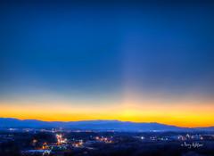 Last Light - Roanoke Sunset Twilight New Year's Eve 2014 (Terry Aldhizer) Tags: new city eve blue light sunset mountains last evening twilight venus dusk year ridge roanoke valley terry years rays aldhizer terryaldhizercom