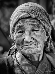 Old Nepal Woman Portrait (davdenic  in the sky ) Tags: women nepal dragan portrait people monochrome