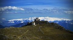 Rocca Calascio - Italia (Davidrr82) Tags: snow castle church montagne trekking italia chiesa neve castello rocca abruzzo appennino calascio