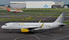 EC-MBT (robert55012) Tags: amsterdam airbus airlines schiphol ams a320 eham vueling a320232 6128 ecmbt vueling10years