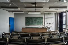 Bien se tenir  table: Leon N1 (thomascaryn.com) Tags: abandoned hospital decay forgotten clinic exploration ziekenhuis morgue clinique urbex urbaine abandonn hpital kliniek friche cinicofthelostchild