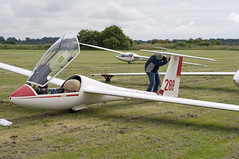 grid... (Air Frame Photography) Tags: uk england flying aircraft airplanes competition gliding glider gliders ls oxfordshire dg shenington bga regionals avgeek realflying