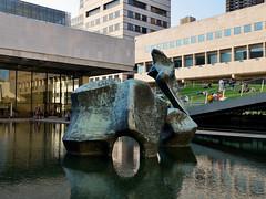 Reclining Figure (Eddie C3) Tags: newyorkcity sculpture upperwestside publicart reflectingpool lincolncenter henrymoore recliningfigure lincolncenterfortheperformingarts stachoo