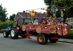 DSCN4074 (2) (Rhoon in beeld) Tags: new tractor holland parade rhoon indianen dorpsdijk