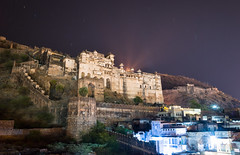 Bundi - Taragarh Fort (phil.w) Tags: camera city travel blue india wall bulb night stars landscape cool long exposure fort tripod trails palace spotlight wanderlust gr ricoh rajasthan compact bundi taragarh