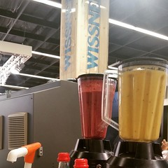"""#HummerCatering #mobile #Smoothiebar #Smoothie #Messe #Catering #Köln @KoelnmesseInc http://goo.gl/B2w0Io • <a style=""""font-size:0.8em;"""" href=""""http://www.flickr.com/photos/69233503@N08/16776552996/"""" target=""""_blank"""">View on Flickr</a>"""