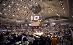 Sumo in Osaka-5 (Rodrigo Ramirez Photography) Tags: japan amazing traditional professional tournament osaka sumo yokozuna ozeki makuuchi hakuho sumotori sumotournament maegashira reikishi harumafuji topdivision