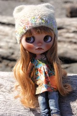 Catching some rays at the beach! #Cooper #buganville #customblythe #toy #fab_toys #Blythe #instadolls #dollphotography #toyartistry #dollstagram