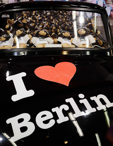 "I <3 Berlin • <a style=""font-size:0.8em;"" href=""http://www.flickr.com/photos/65517842@N07/26224242404/"" target=""_blank"">View on Flickr</a>"