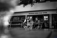 pit stop (desmokurt1) Tags: italien bw lana wasser fuji sw bier birra sdtirol southtyrol biergarten meran forstbier fujixpro2 kurtessler