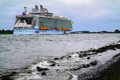 Harmony of the Seas leaving (CosmoClicky) Tags: cruise boat vessel harmony cruiseship cosmoclicky harmonyoftheseas