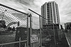 170/366 (local paparazzi (isthmusportrait.com)) Tags: blackandwhite white black building blanco architecture danger demolish contrast vintage fence iso100 dangerous construction pod zoom destruction negro landmark icon structure demolishing round change madisonwi goodbye bye destroy 2016 isthmus shorewoodhills danecountywisconsin pyaresquare 366project canon5dmarkii localpaparazzi redskyrocketman lopaps tokina1628f28 isthmusportrait