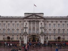 View of Buckingham Palace from Victoria Memorial (procrast8) Tags: uk england london britain united kingdom palace buckingham