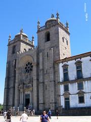 Oporto-40 (e_velo ()) Tags: 2016 oporto portugal verano summer estiu travels viajes viatges canon powershota520 catedrals catedrales cathedrals romnico romnic romasque