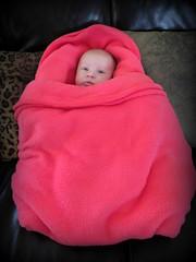 Dans son petit nid.... (LILI 296...) Tags: baby france rose children bébé fillette enfance maelys canonpowershotg16