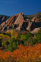 Roxborough State Park (Bridget Calip - Alluring Images) Tags: autumn trees mountains green fall grass sport golf pond colorado rocks hole bunker golfing golfcourse redrocks recreation blueskies geology tee golfball puttinggreen whiteball whitegolfball flatironrocks