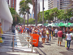 Recadastramento dos expositores da Feira de Artesanato de Belo Horizonte chega ao setor de bijuterias (Portal PBH) Tags: de avenida artesanato feira hippie pena regional horizonte prefeitura belo afonso bijuterias pbh centrosul