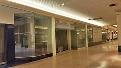 The Underground by Journeys (Nicholas Eckhart) Tags: usa retail mi america mall us michigan detroit northland stores southfield hudsons 2015 deadmall dyingmall northlandcenter jlhudsoncompany