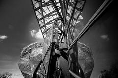 Reflets... (Daniel Jost Photography) Tags: paris france ledefrance lightroom 2015