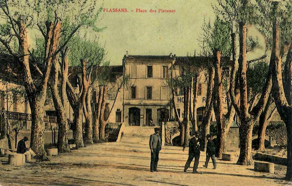 place_des_platanes_1