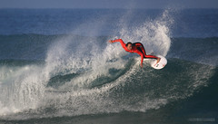 Carissa in France (McSnowHammer) Tags: france wave hossegor surfing moore pro roxy carissa roxypro