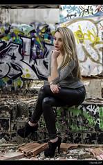 Carolina - 3/5 (Pogdorica) Tags: sexy graffiti chica retrato modelo rubia carolina sesion cuero abandonado posado