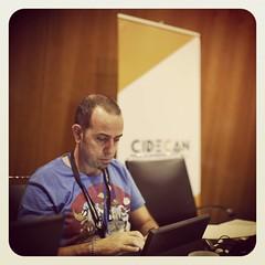 Esos momentos donde el ordenador es el mejor amigo del hombre!!!!... Curro a destajo en el #tenerifesostenible #cidecan16