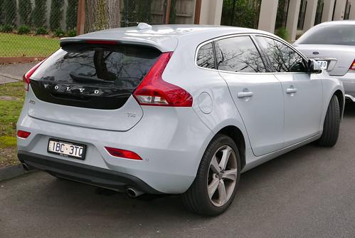 2014 Volvo V40 (MY14) T4 Luxury hatchback