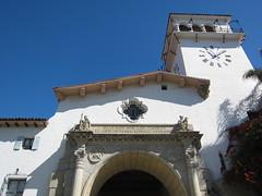 Gazing up at the Clock Tower (jchants) Tags: tower clocktower santabarbaraca santabarbaracountycourthouse spanishrevivalarchitecture santabarbaracountycourthouseexterior