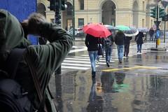 Flickar in Torino () Tags: street friends portrait rain umbrella torino photography photo flickr foto photographer photos group meeting human fotografia umbrellas raining amici turin pioggia ritratto stefano ombrello fotografo gruppo incontro raduno 2015 trucco ombrelli binario21 zush stefanotrucco