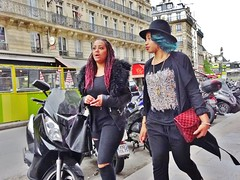 2015-04-25  Paris - 22 Rue du Pont Neuf (P.K. - Paris) Tags: street people paris candid sidewalk april avril inparis 2015