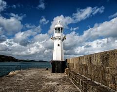 Mevagissey (Fin Wright) Tags: ocean sea england lighthouse canon ian faro harbor cornwall lighthouses harbour quay wharf farol fin beacon fyr leuchtturm mevagissey fari faros ianwright fyret fyrtrn farois leuchttrme finwright finwrightphotographycouk g1xmkii