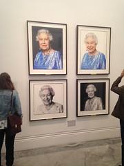(maciejhendrykowski) Tags: uk england london art love smile portraits artist britain 90th queen newlook buckingham npg queenelizabeth nationalportraitgallery anniversairy britishmonarchy queen90 anothersideofmonarchy