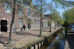 Bolsward, a peaceful little town.. (Davydutchy) Tags: auto holland tree classic netherlands car canal automobile peace tour ride rally may nederland voiture bil vehicle oldtimer frise kanal rit paysbas friesland rallye niederlande gracht vaart bolsward 2016 klassiker klassiek frysln pkw elfstedentocht frisia vetern tocht automobiel boalsert